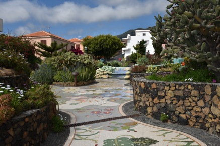 Einer der schönsten Plätze auf La Palma ist meiner Meinung nach der in Las Manchas. Er wurde von einem Künster der Insel geschaffen.